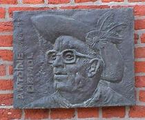 Antoine Demol at place du Jeu de Balle church